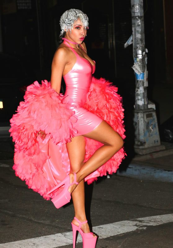 Tinashe - in Costume Outside Heidi Klum