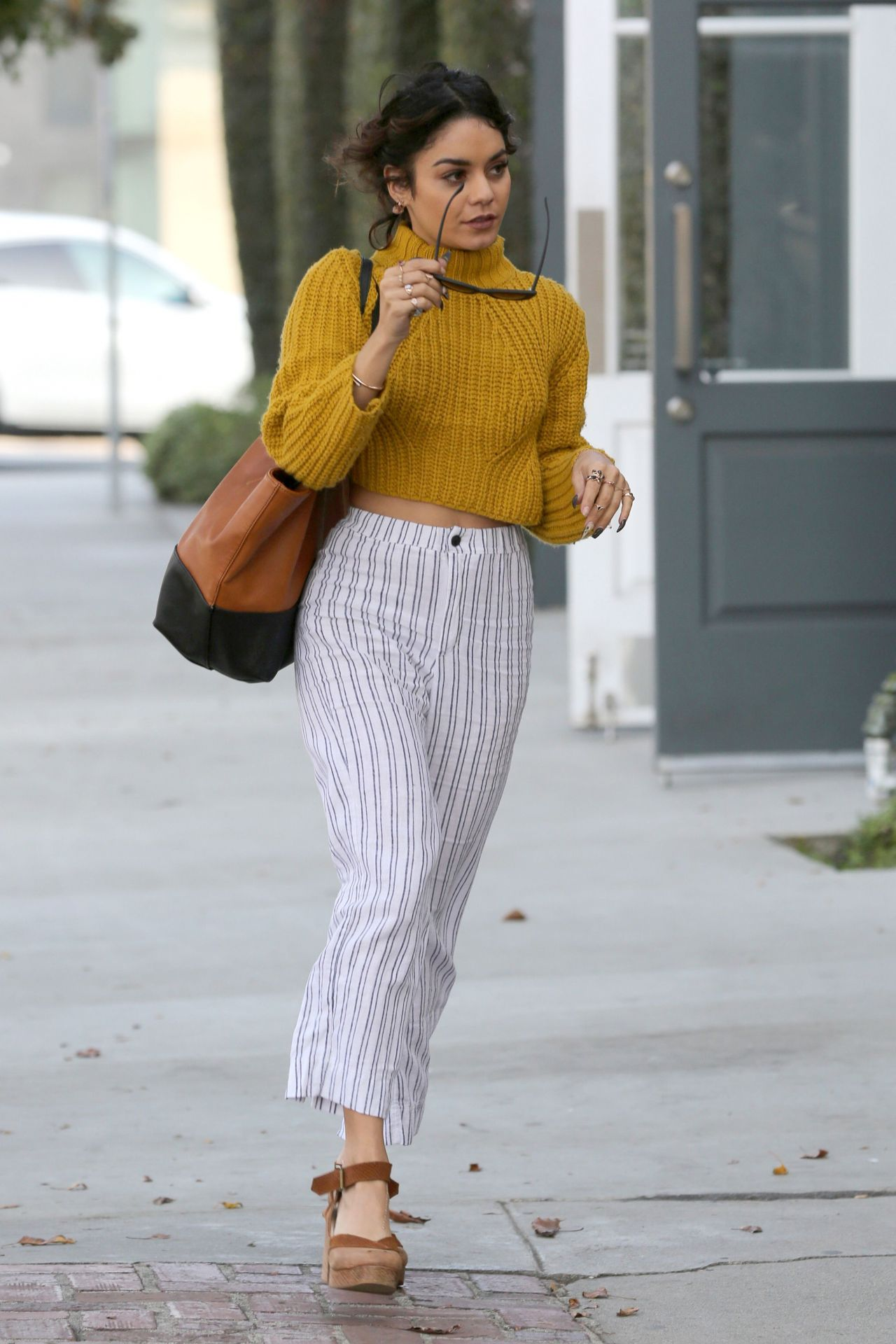 Vanessa Hudgens Casual Style Kate Somerville In West Hollywood 11 16 2016