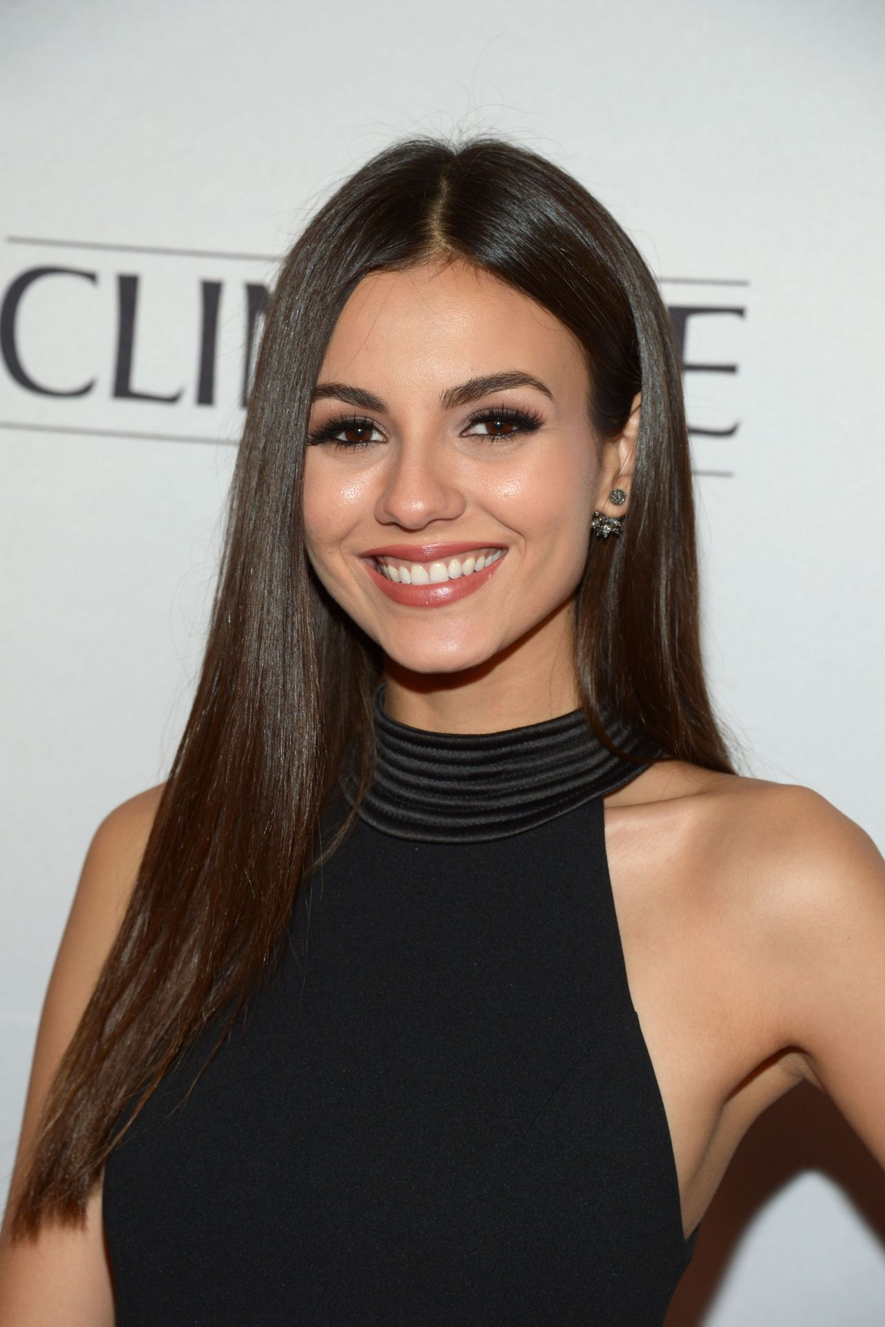 Victoria Justice Marie Claire Young Women S Honors In