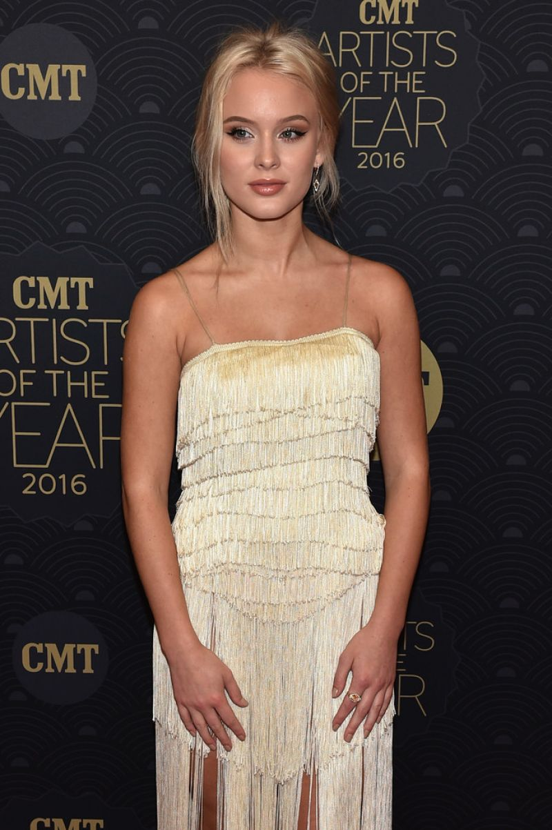 Zara Larsson Cmt Artist Of The Year In Nashville
