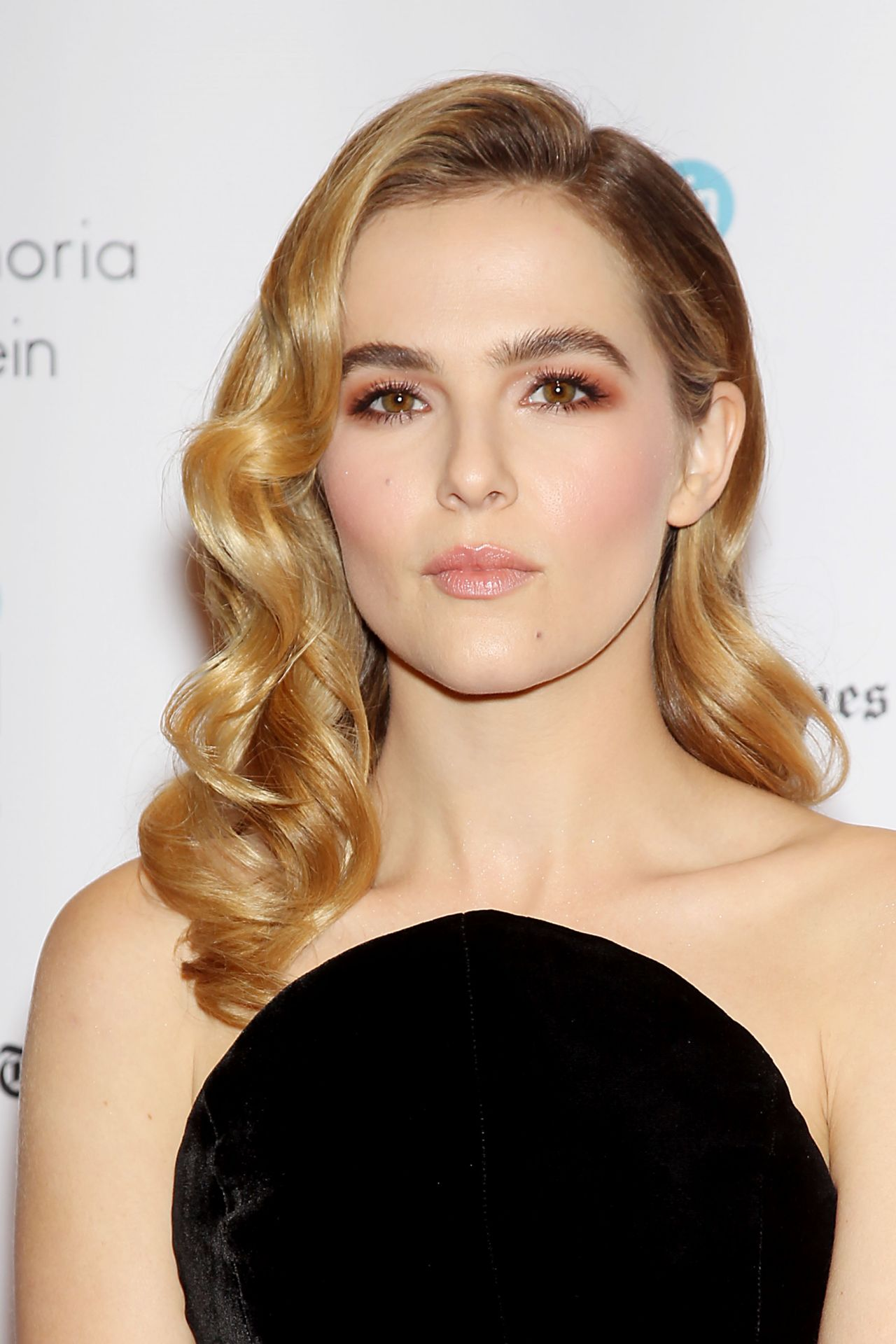zoey deutch - photo #5