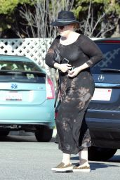 Adele - Stops By Whole Foods in Beverly Hills 12/27/ 2016