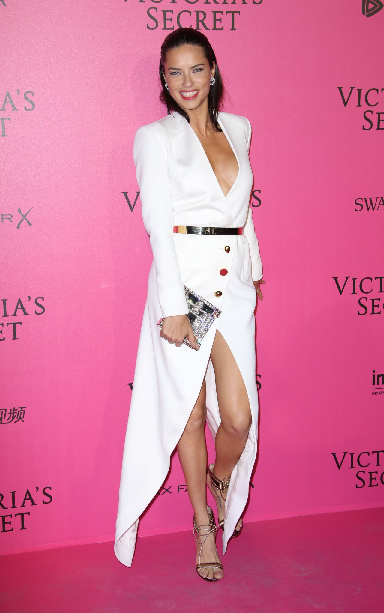 Adriana Lima – Victoria's Secret Fashion Show 2016 After ...