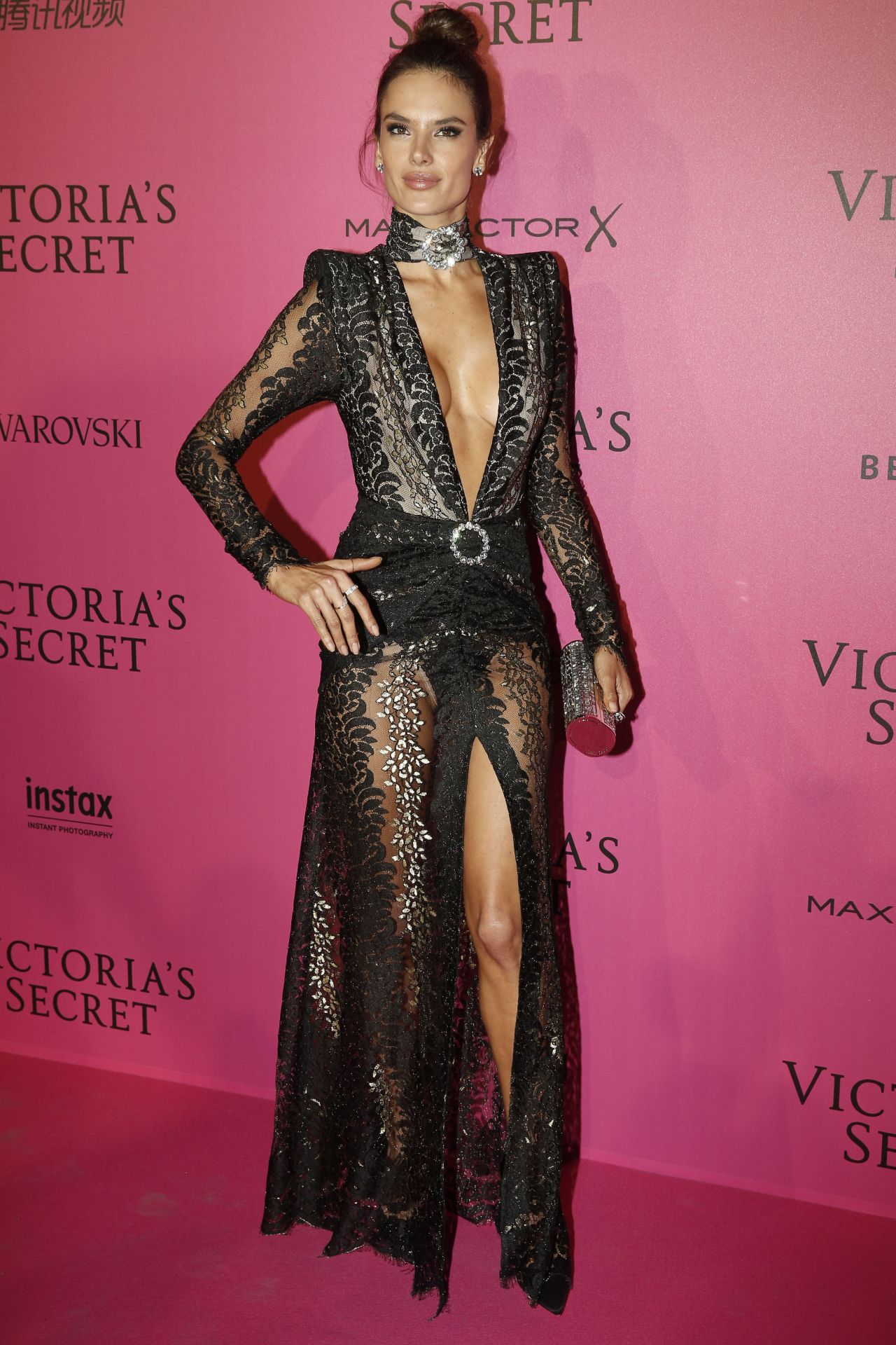 Alessandra Ambrosio Victoria S Secret Fashion Show 2016