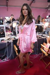 Alessandra Ambrosio – Victoria's Secret Fashion Show 2016 Backstage, Part II