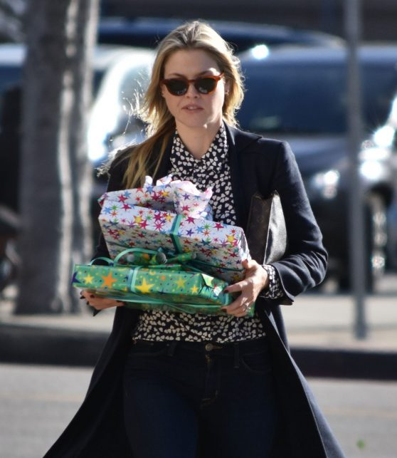 ali-larter-out-in-los-angeles-12-2-2016-6