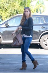 Amy Adams in Tight Jeans - Shopping in West Hollywood 12/5/ 2016