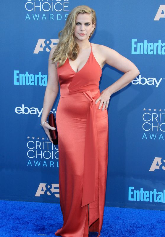 Anna Chlumsky – 2016 Critics' Choice Awards in Santa Monica