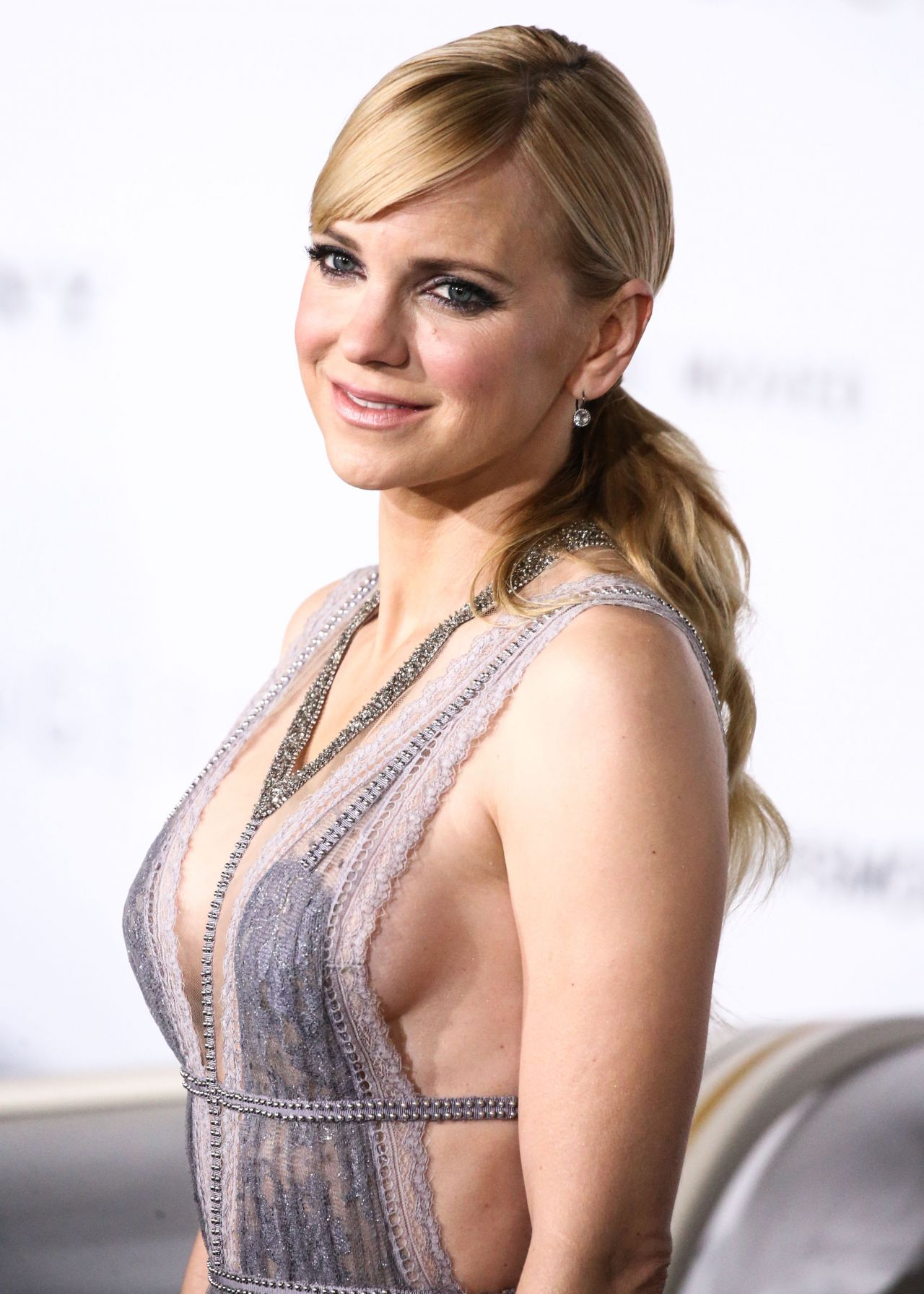 Anna Faris Passengers Premiere At The Westwood Village