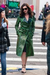 Anne Hathaway - Set of Ocean's Eight in New York City, December 2016
