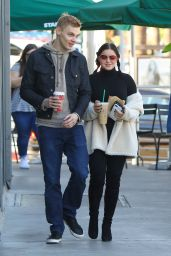 Ariel Winter at Starbucks in Studio City 12/3/ 2016
