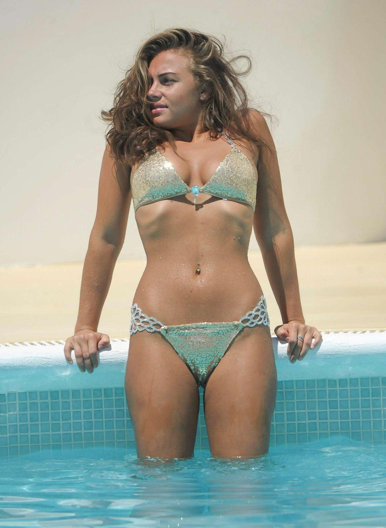 naked (48 photo), Bikini Celebrity image