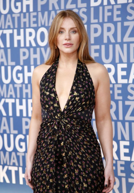 Bryce Dallas Howard - 2017 Breakthrough Prize Award at NASA Ames Research Center in Mountain View
