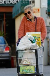 Busy Philipps - Grocery Shopping in West Hollywood 12/22/ 2016