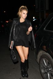 Charlotte McKinney - Wraps up a Girl