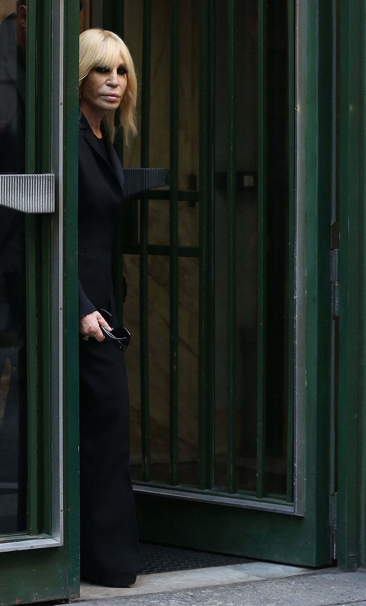 donatella versace leaves franca sozzanis home in milan