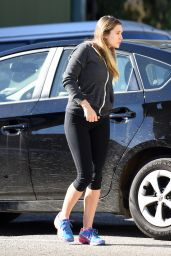 Elizabeth Olsen in Leggings - Arriving at a Gym in Los Angeles 12/20/ 2016