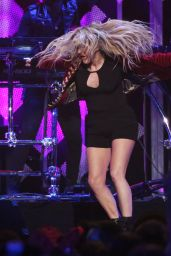 Ellie Goulding Performs at Z100's iHeartRadio Jingle Ball in NYC 12/9/ 2016