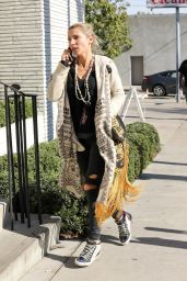 Elsa Pataky - Out For Lunch in West Hollywood 12/20/ 2016
