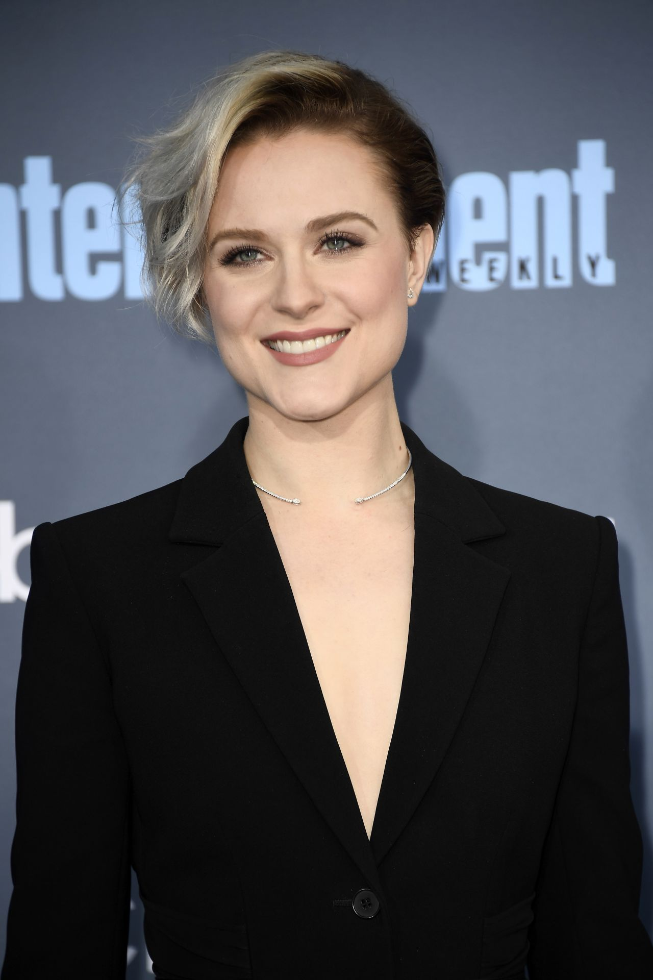 Evan Rachel Wood 2016 Critics Choice Awards In Santa