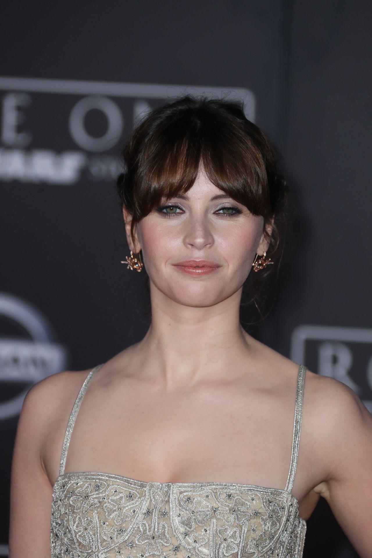 Felicity Jones Rogue One A Star Wars Story Premiere