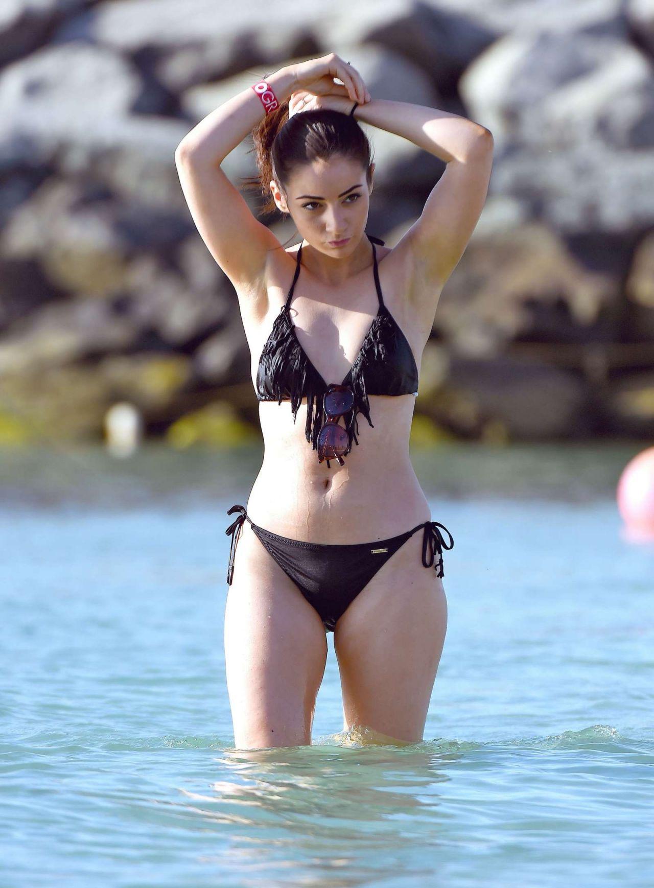 Frances Bishop In Black Bikini In Dubai 12 16 2016