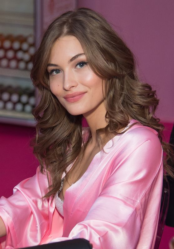 Grace Elizabeth – Victoria's Secret Fashion Show 2016 Backstage