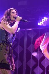 Hailee Steinfeld - iHeart Radio Y-100 Jingleball Pre Show in Florida 12/18/ 2016