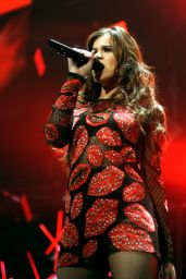 Hailee Steinfeld - Performing at 101.3 KDWB