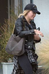 Hilary Duff - Leaving a Gym in Los Angeles 12/6/ 2016