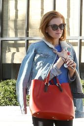 Isla Fisher - Grabs Food At Gracias Madre in Los Angeles 12/2/ 2016
