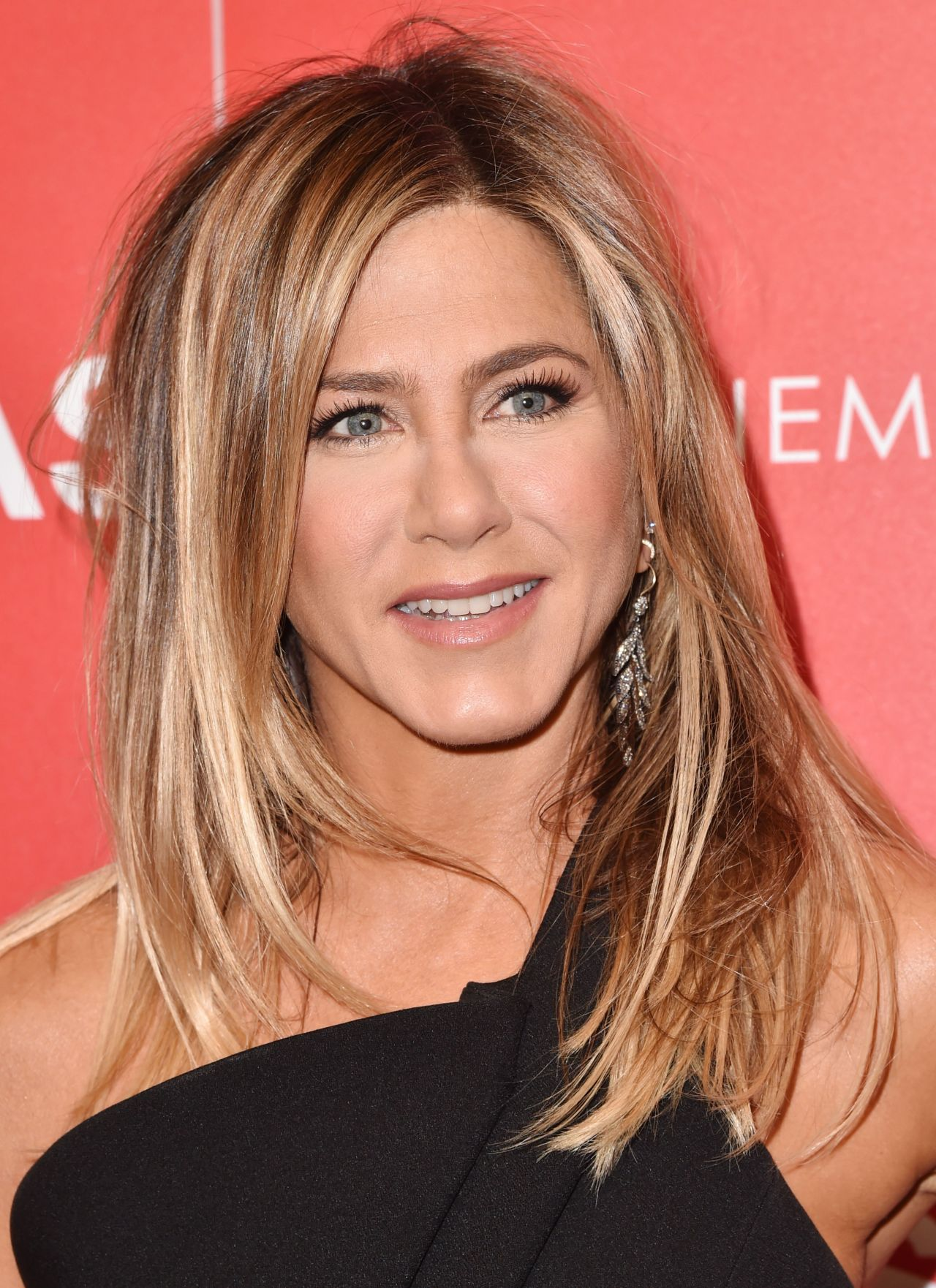 Jennifer Aniston – \'Office Christmas Party\' Screening in NYC