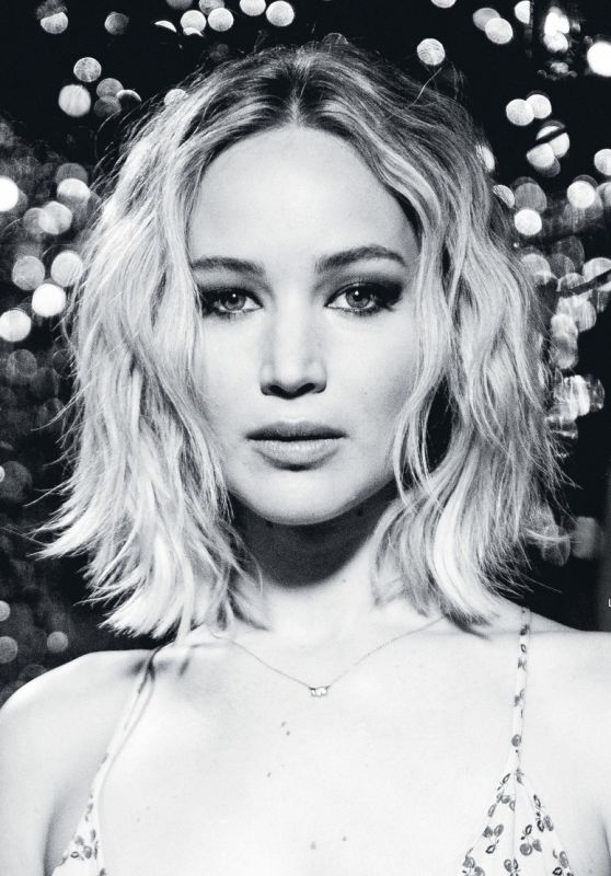 Jennifer Lawrence - Grazia Italia December 2016 Issue
