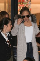 Jennifer Lopez Casual Style - Shopping in Beverly Hills 12/22/ 2016