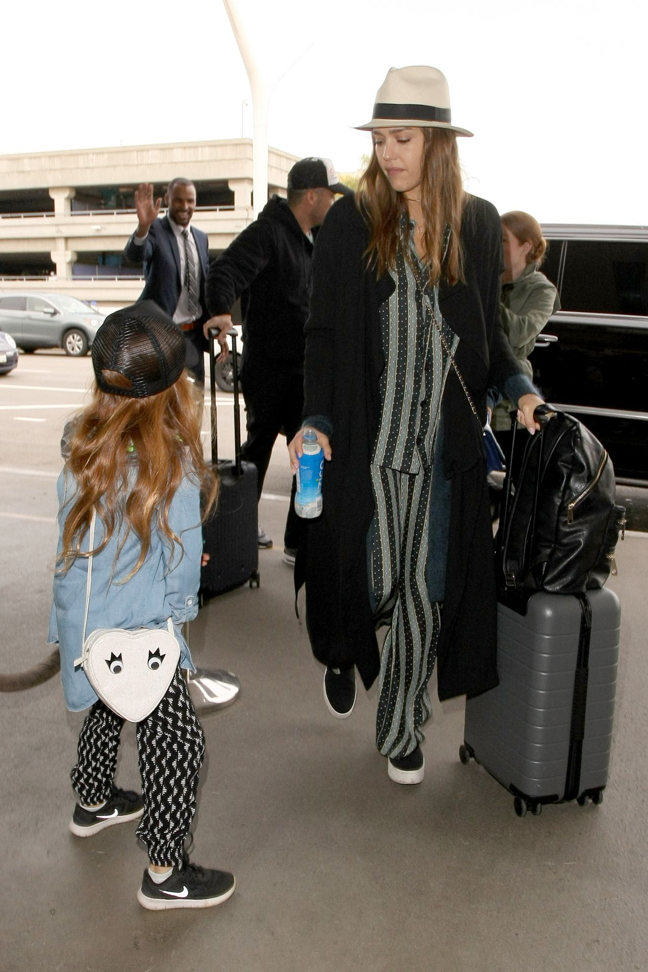 http://celebmafia.com/wp-content/uploads/2016/12/jessica-alba-arrives-at-lax-airport-in-los-angeles-12-26-2016-6.jpg