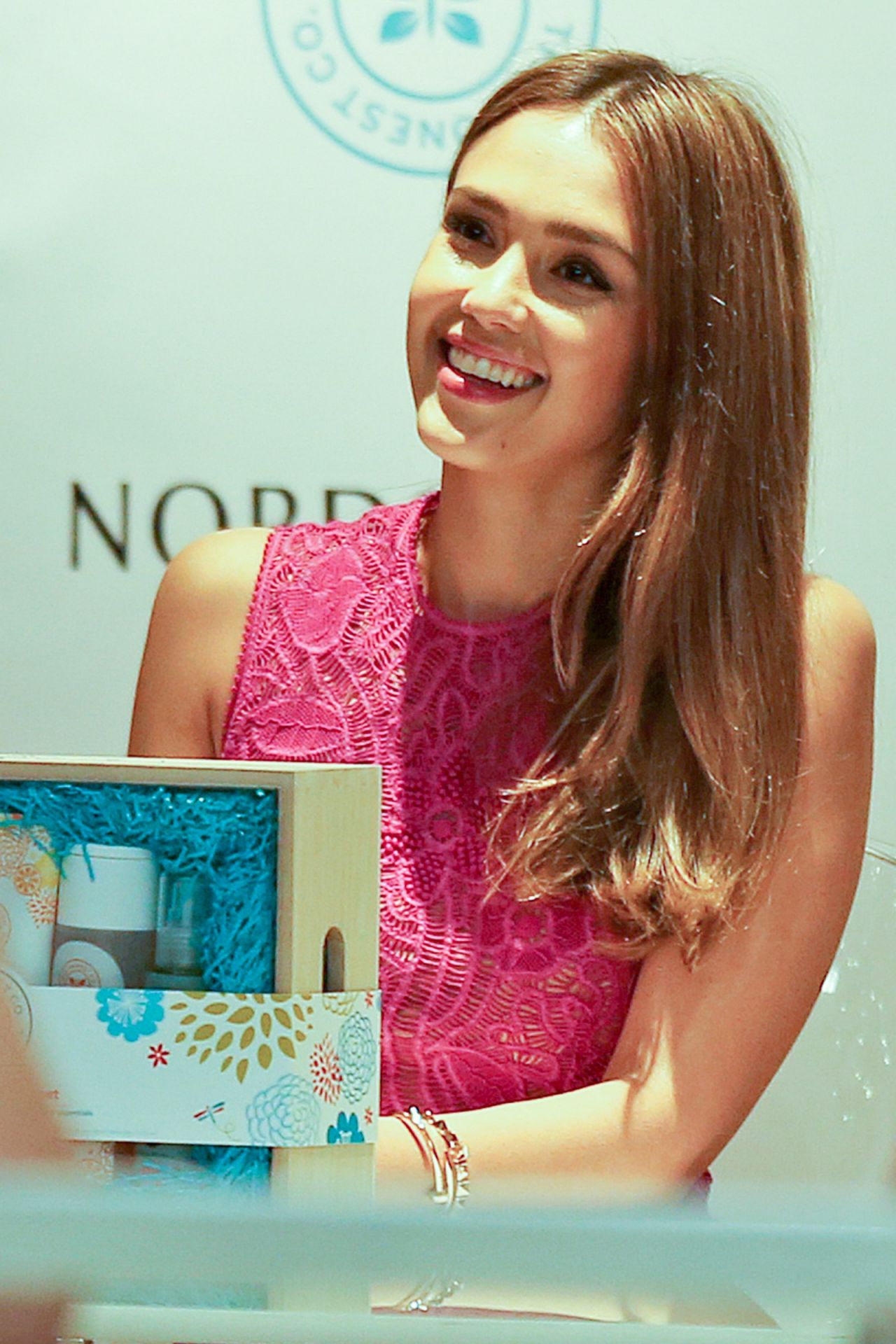 Jessica Alba Meet And Greet Hosted By The Honest Company In