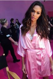Joan Smalls – Victoria's Secret Fashion Show 2016 Backstage