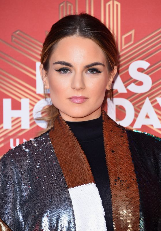 Joanna Jojo Levesque - 2016 VH1's Divas Holiday: Unsilent Night in New York