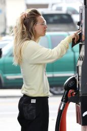 Kaley Cuoco - Getting Gas in Los Angeles 12/13/ 2016