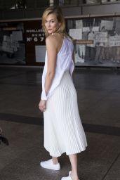 Karlie Kloss Casual Style - Sydney 12/11/ 2016