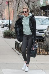 Karlie Kloss - Out in New York City On a Frigid December Morning 12/15/ 2016