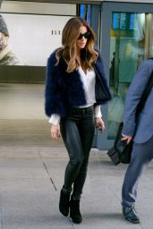 Kate Beckinsale - Arrives at Heathrow Airport in London 12/5/ 2016