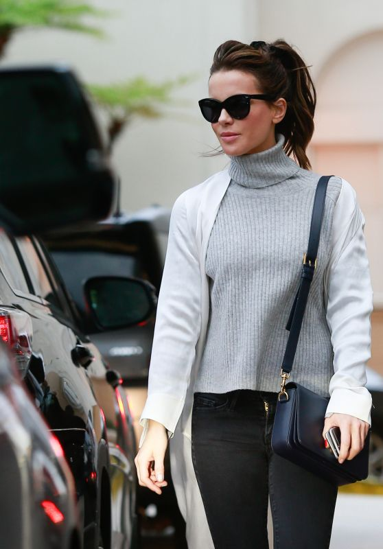 Kate Beckinsale - Shopping at Barney