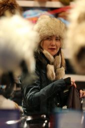 Kate Hudson - Shopping at Boogies in Aspen 12/22/ 2016