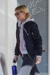 Kate Mara - Keeps is Comfy And Warm as She Finishes up a Dance Class at Ballet Bodies, West Hollywood 12/19/ 2016