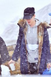 Katy Perry - Quick Shopping Before Flying Out of Jackson Hole, WY 12/27/ 2016