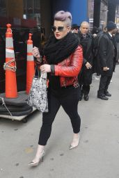 Kelly Osbourne - Does Good Morning America in New York 12/21/ 2016