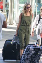 Kelsea Ballerini - Arriving Into Sydney Airport 12/28/ 2016