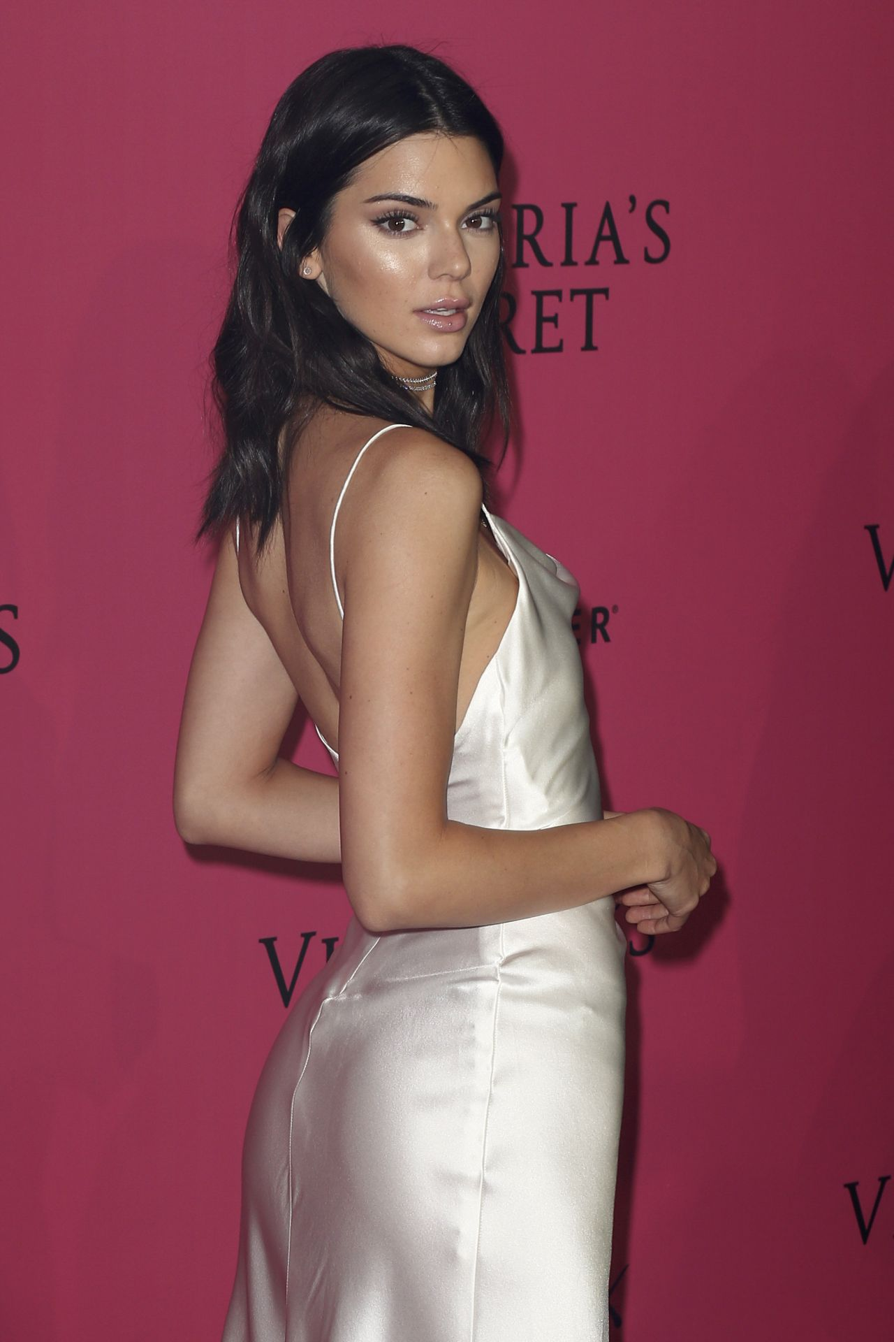 Kendall Jenner Victoria S Secret Fashion Show 2016 After