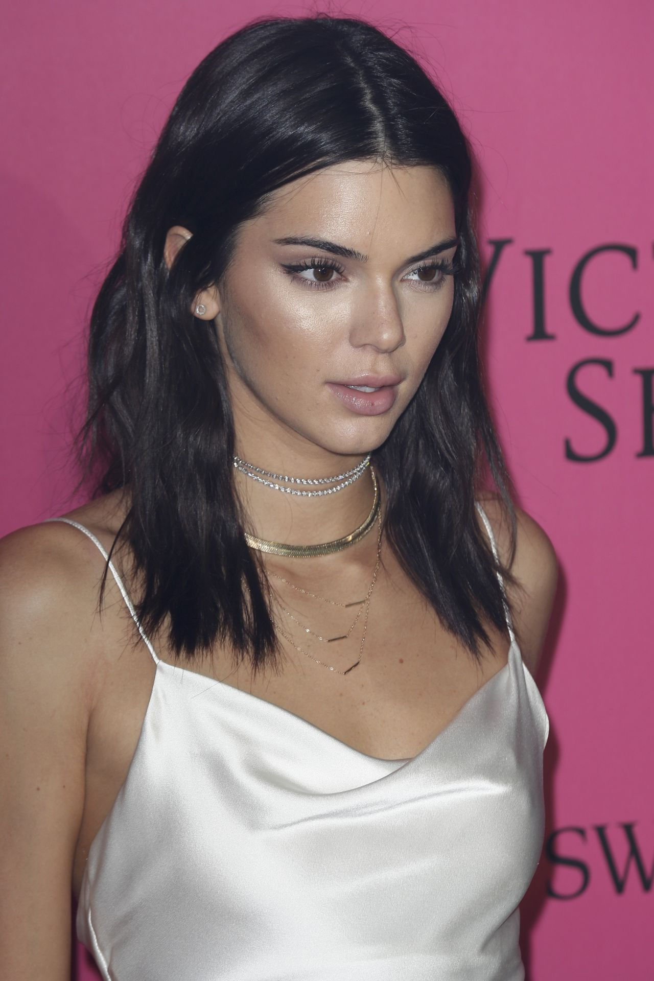 Kendall Jenner Caviar Kaspia Dinner After Pharmacy Stop: Victoria's Secret Fashion Show 2016 After